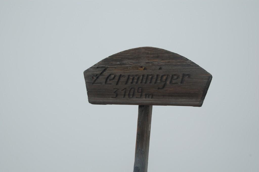 Berg Zerminiger Gipfelkreuz